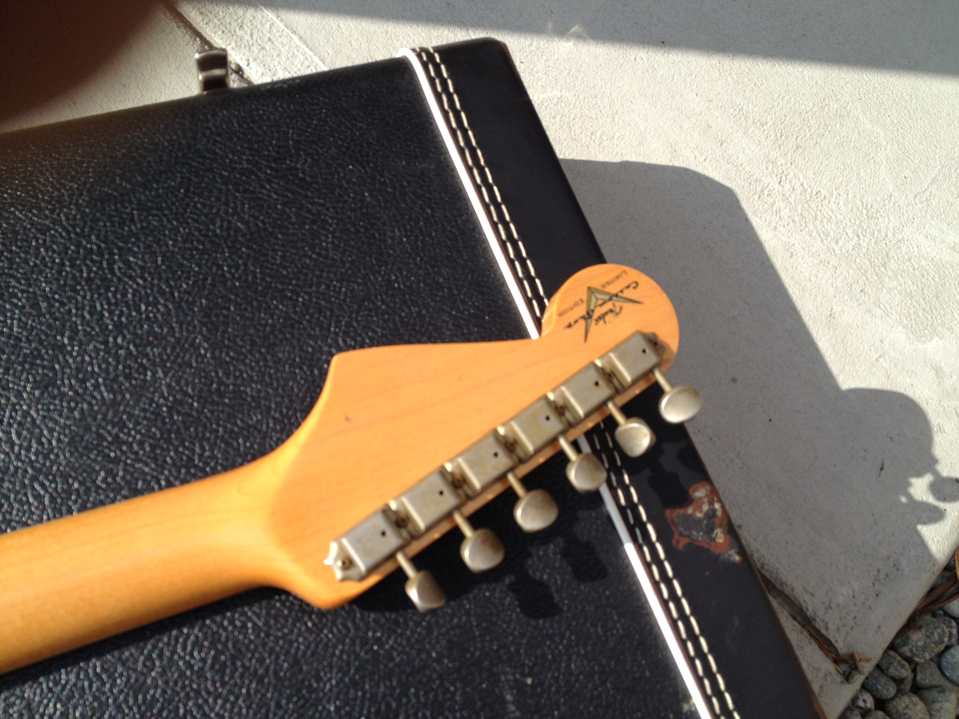 broken string guitars salida guitar shop we buy sell trade new vintage guitars img 0239. Black Bedroom Furniture Sets. Home Design Ideas
